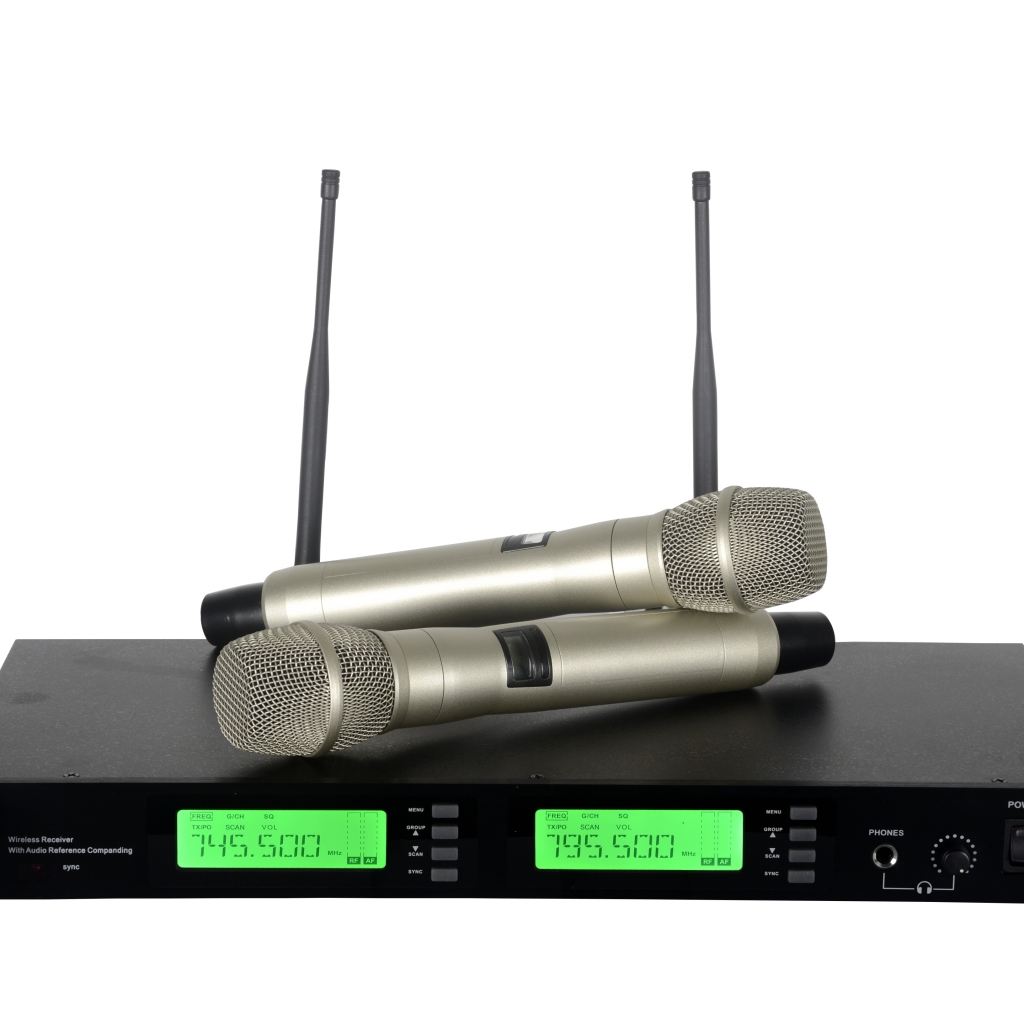 UR24D/Beta58 Dual Handheld Wireless System